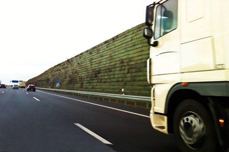 Transport ciężarowy w rękach kierowców
