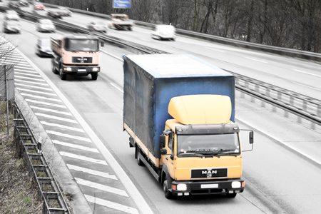 Transport międzynarodowy omija rodzime płatne drogi