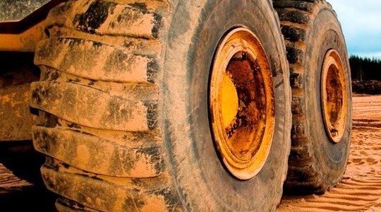 Transport drogowy: kary za przeładowanie ciężarówki, tira czy busa