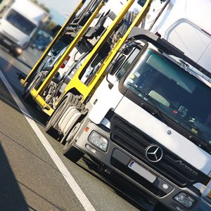 Jak zarządzać ryzykiem środowiskowym w transporcie ADR?