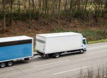 Geometria układu jezdnego ciężarówek i zestawów pojazdów